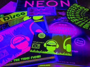 cv_neon_tn.jpg