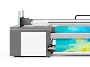 swissQprint、Fespa2019で初のロールtoロール専用機「Karibu」発表