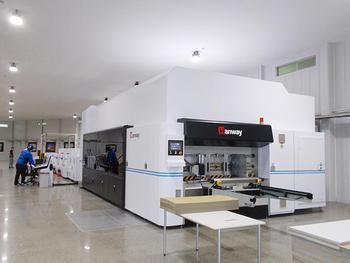 神崎紙器工業、Hanway社製段ボールインクジェット印刷機日本1号機を導入