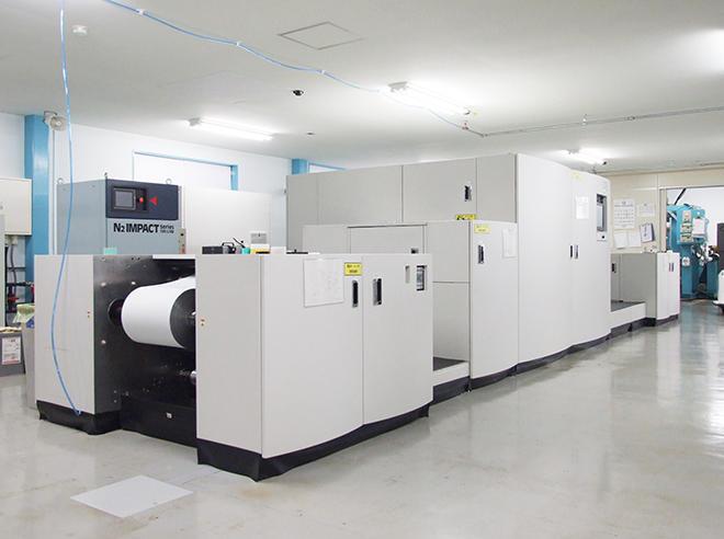 印刷経験の浅いオペレーターでも運用でき、現場のスキルレス化にもつながっている