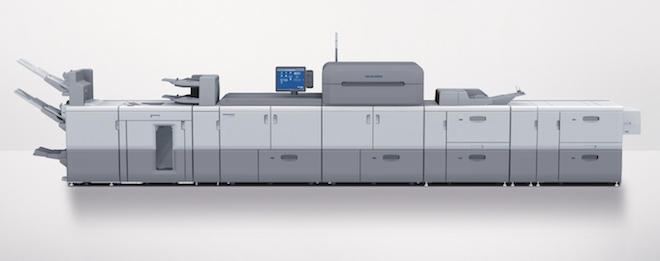 新たなインサートフィーダを搭載したバーサファイア EPはデジタルとオフセット印刷を統合しハイブリ ッド生産を実現