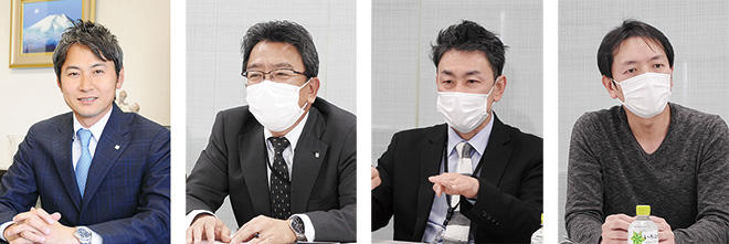 左から、林社長、白井本部長、斎藤執行役員、丹田係長